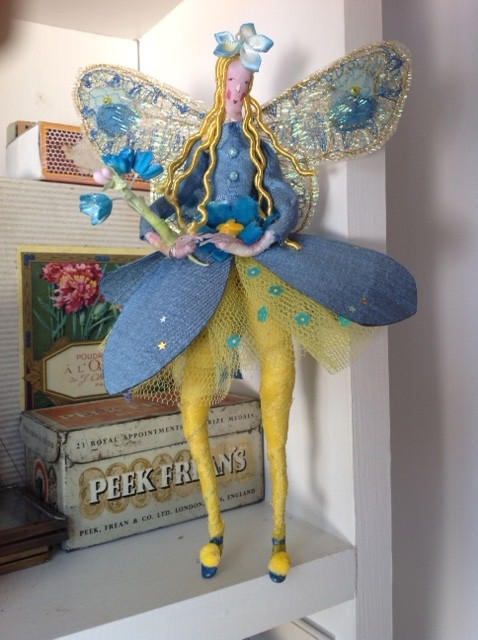 FORGET-ME-NOT A 17cm high fairy